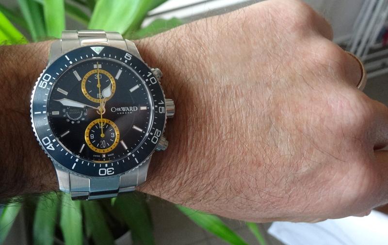 Un nouveau chrono de plongée chez Christopher Ward - Page 2 Dsc05611