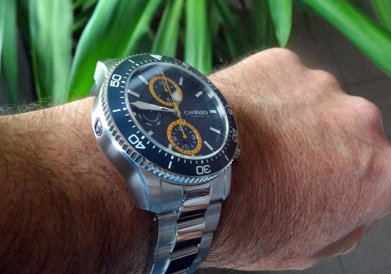 Un nouveau chrono de plongée chez Christopher Ward - Page 2 Dsc05612