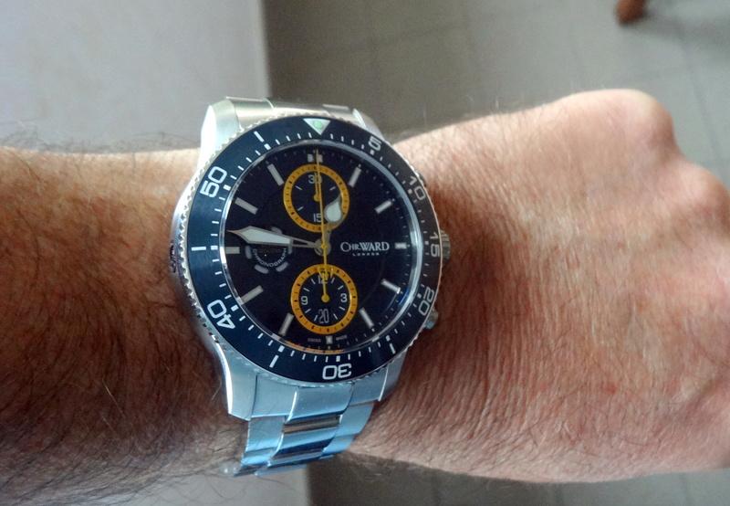 Un nouveau chrono de plongée chez Christopher Ward - Page 2 Dsc05613