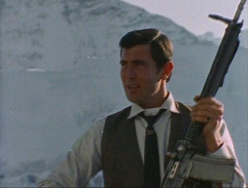 007 avec... un SIG SG 510! Ohmss110