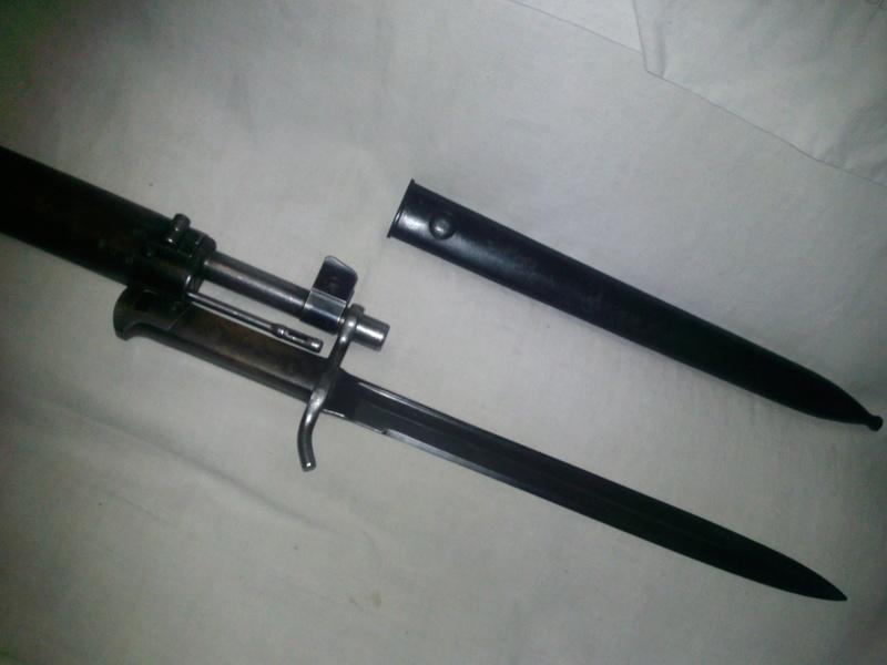 Quelques baïonnettes montées sur leurs armes - Page 4 Bayo_m10