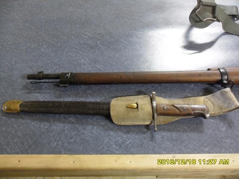 Quelques baïonnettes montées sur leurs armes - Page 11 Sam_1232
