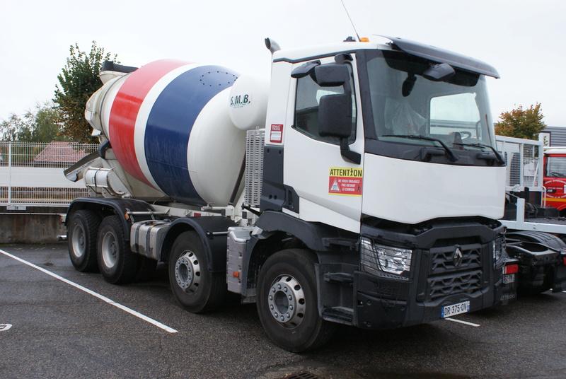 Pompes a beton + Camions malaxeur (Camions Toupie) - Page 4 Dsc00122
