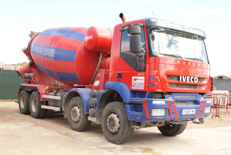 Pompes a beton + Camions malaxeur (Camions Toupie) - Page 4 Dsc00123