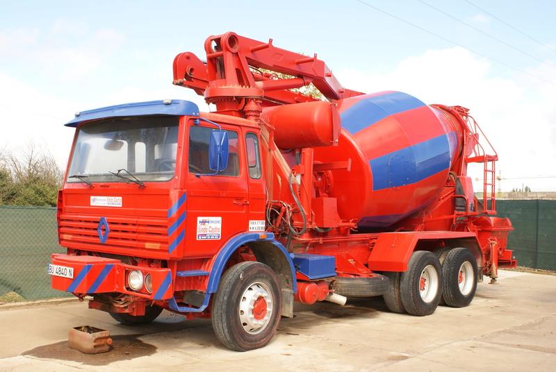 Pompes a beton + Camions malaxeur (Camions Toupie) - Page 4 Dsc00124