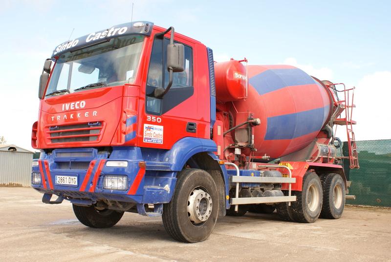Pompes a beton + Camions malaxeur (Camions Toupie) - Page 4 Dsc00128