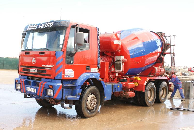 Pompes a beton + Camions malaxeur (Camions Toupie) - Page 4 Dsc00129