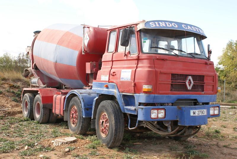 Pompes a beton + Camions malaxeur (Camions Toupie) - Page 4 Dsc00131