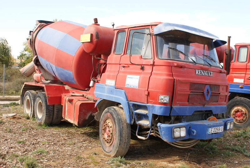 Pompes a beton + Camions malaxeur (Camions Toupie) - Page 4 Dsc00133