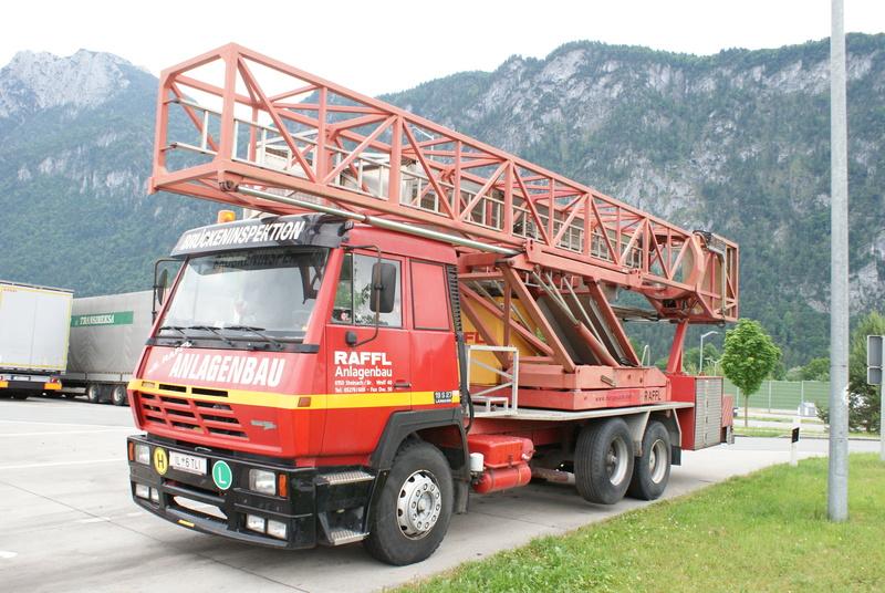 Un camion pour la prospèction des ponts. Dsc00711