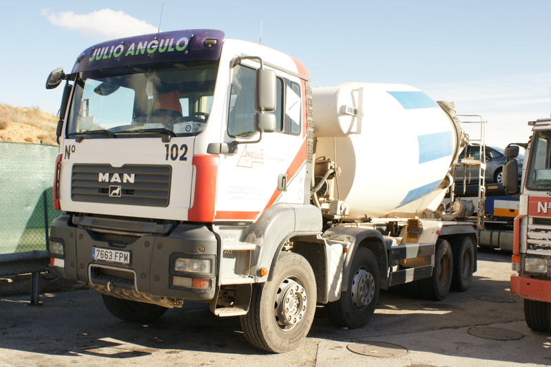 Pompes a beton + Camions malaxeur (Camions Toupie) - Page 4 Dsc06113