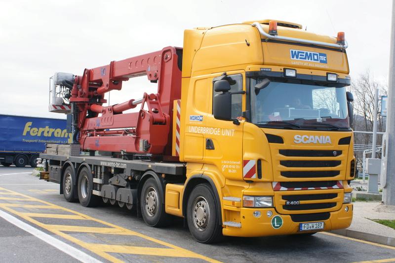 Un camion pour la prospèction des ponts. Dsc06510