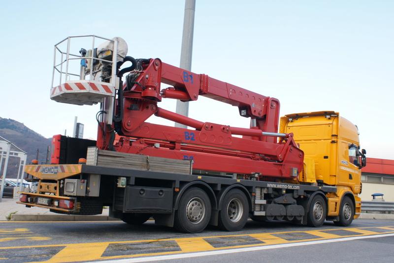 Un camion pour la prospèction des ponts. Dsc06511