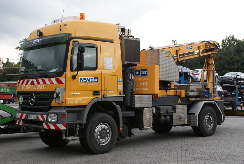 Un camion pour la prospèction des ponts. Dsc09610