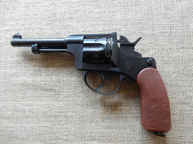 p210 et revolver 1929 Dscn0219