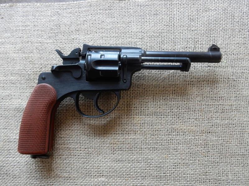 p210 et revolver 1929 Dscn0220