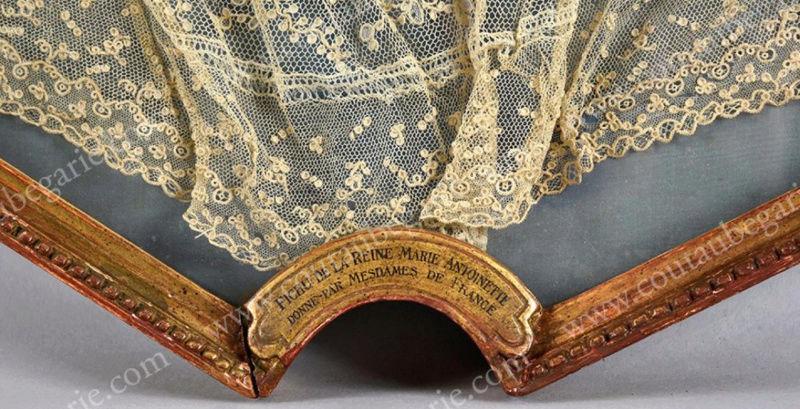 Fichu en dentelle, dit ayant appartenu à Marie-Antoinette Captur99