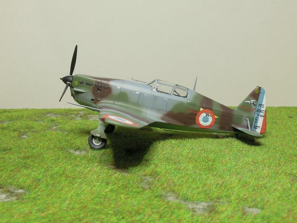 Morane-Saulnier MS-406 C.1 - AZUR 1/72 (Terminé) - Page 3 Dscn0818