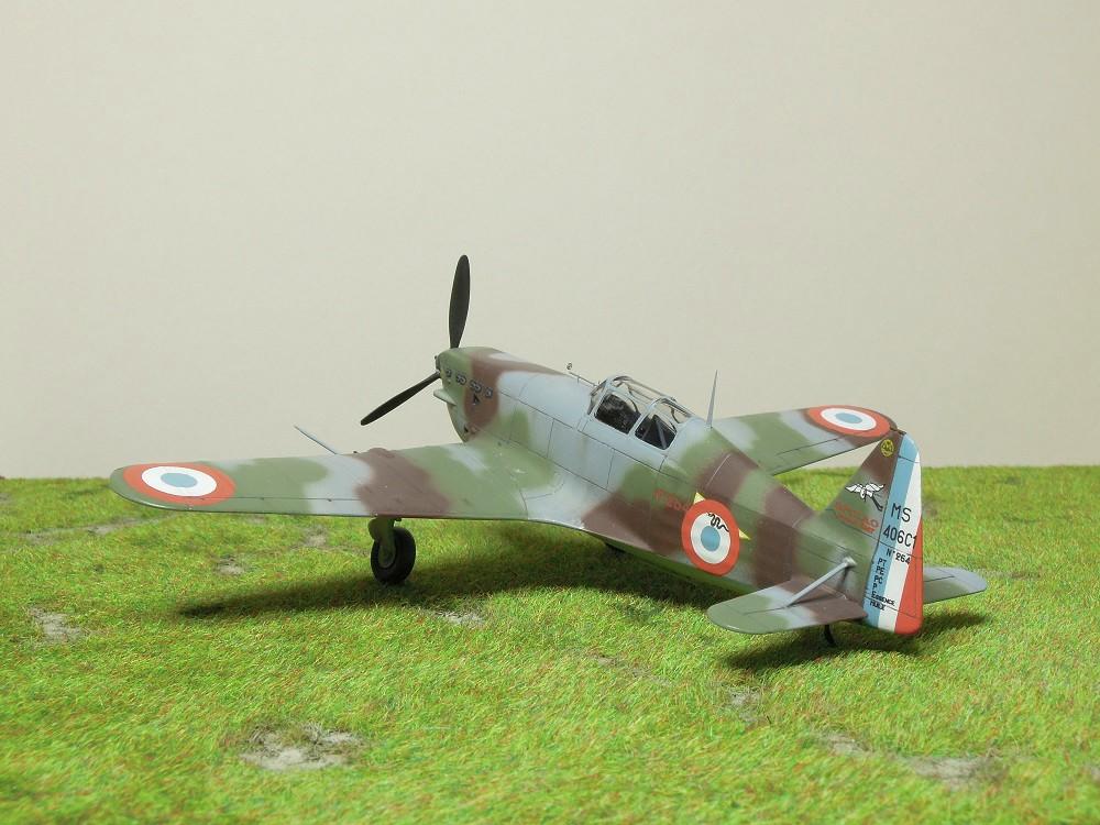 Morane-Saulnier MS-406 C.1 - AZUR 1/72 (Terminé) - Page 3 Dscn0820