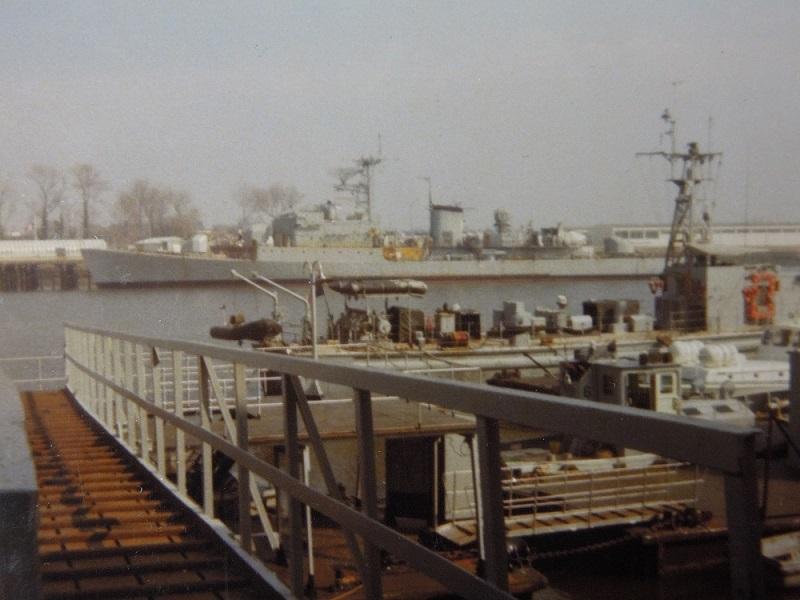 Aviso-escorteur Cdt Rivière - 1/400 L'Arsenal - Djibouti 1978 Dscn1110