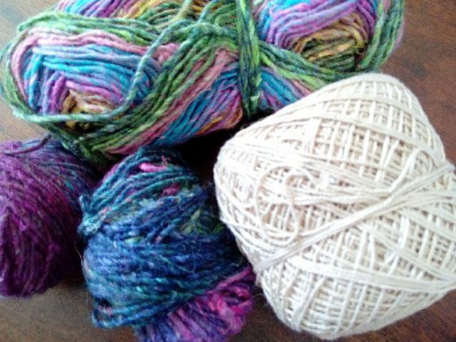 Robe Flammenco au Crochet Laine et Soie , Laine Noro Japonais ! Img_2069