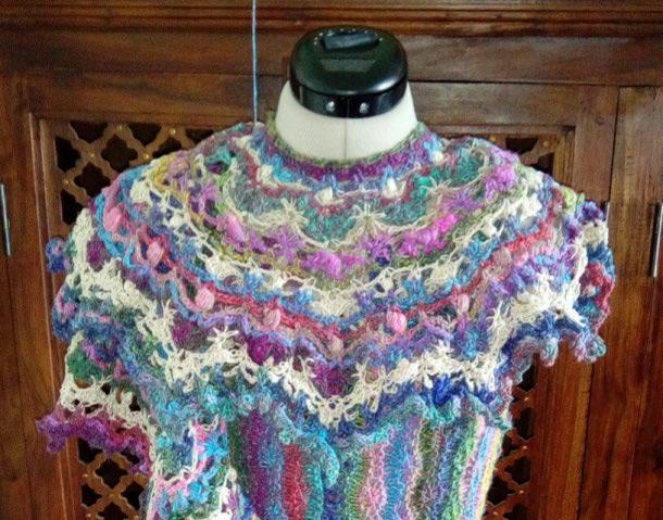 Robe Flammenco au Crochet Laine et Soie , Laine Noro Japonais ! Img_2074
