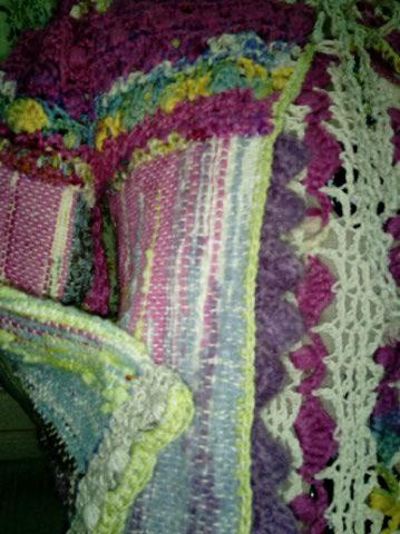 Le TISSAGE : 1ère Petite Veste LAINE & LIN avec partie Crochet  Img_2229
