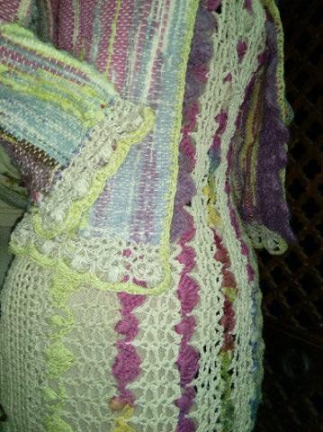 Le TISSAGE : 1ère Petite Veste LAINE & LIN avec partie Crochet  Img_2230