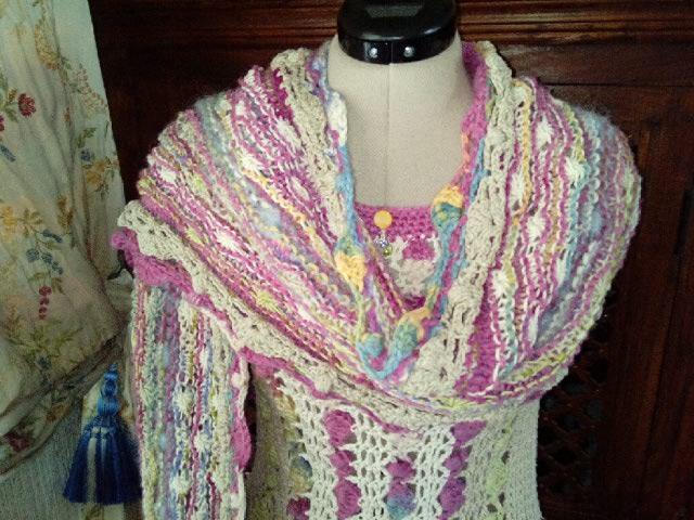 Le TISSAGE : 1ère Petite Veste LAINE & LIN avec partie Crochet  Img_2237
