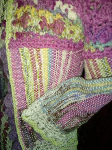 Le TISSAGE : 1ère Petite Veste LAINE & LIN avec partie Crochet  Img_2242