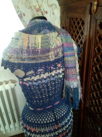 Le TISSAGE : 3ème , Robe au Crochet dentelle en LIN avec Echarpe LIN & LAINE  Img_2265