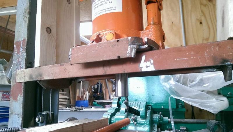 presse hydraulique sur base cric bouteille 30t 1110