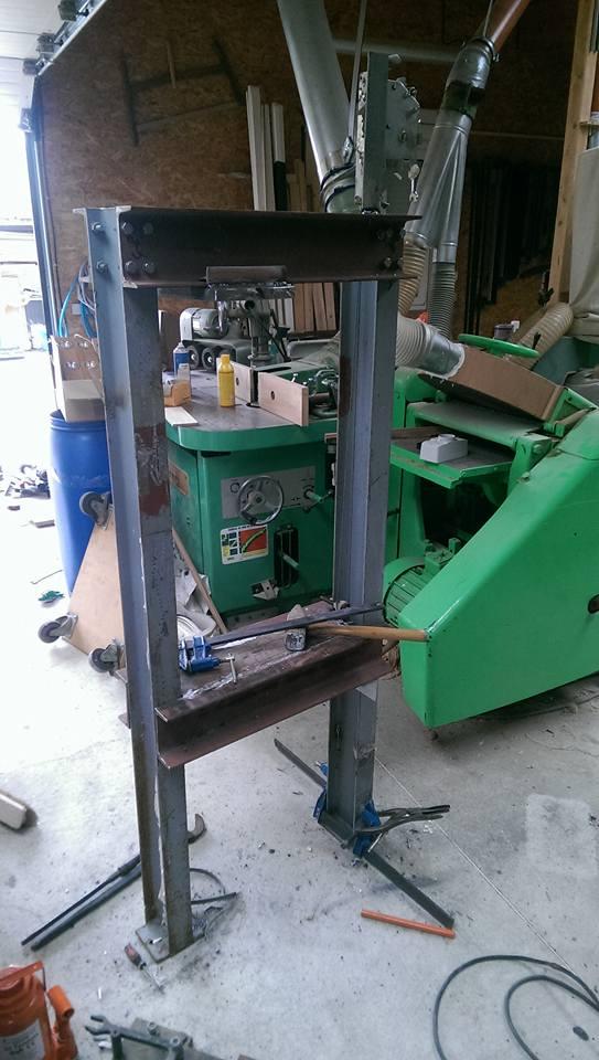 presse hydraulique sur base cric bouteille 30t 210