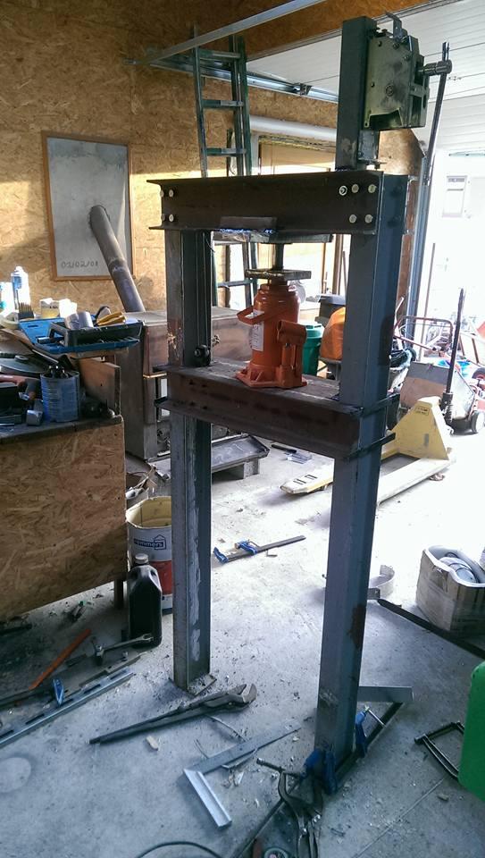 presse hydraulique sur base cric bouteille 30t 810