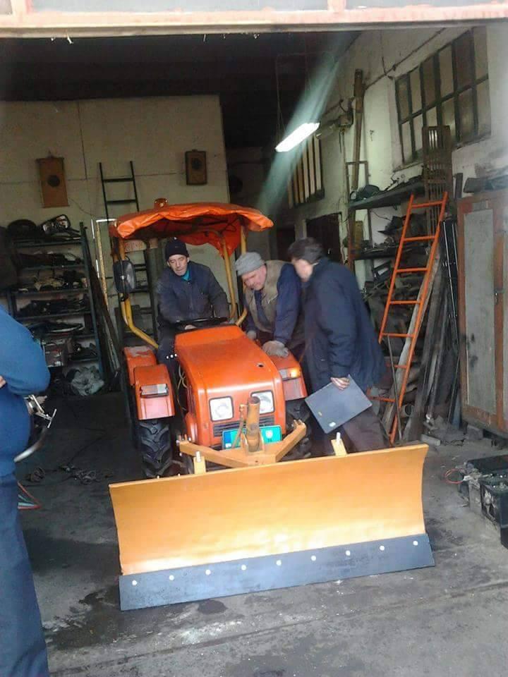 Traktori 14-oktobar Kruševac Srbija Zglobn10