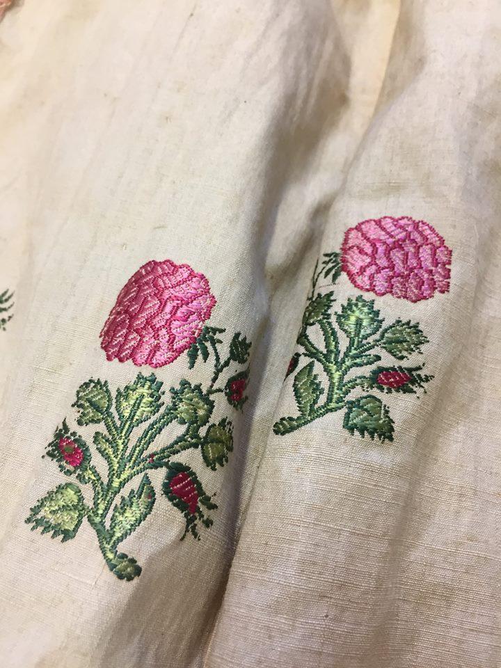 robes XVIIIe: styles, couleurs et matières  Zzzfon17