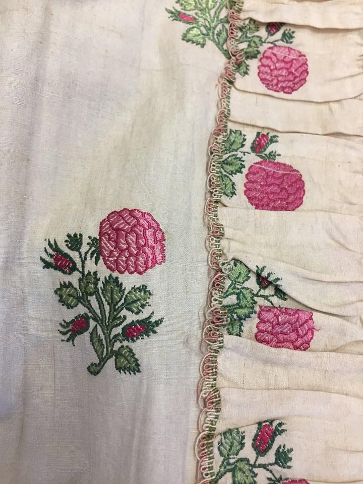 robes XVIIIe: styles, couleurs et matières  Zzzfon19