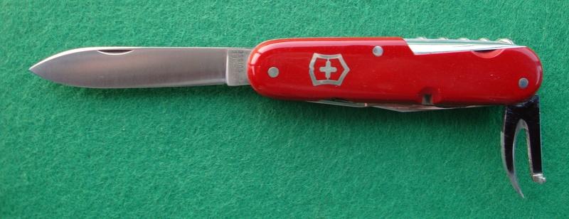 Couteaux de Soldat et Couteaux Officier Suisses. Dsc06516
