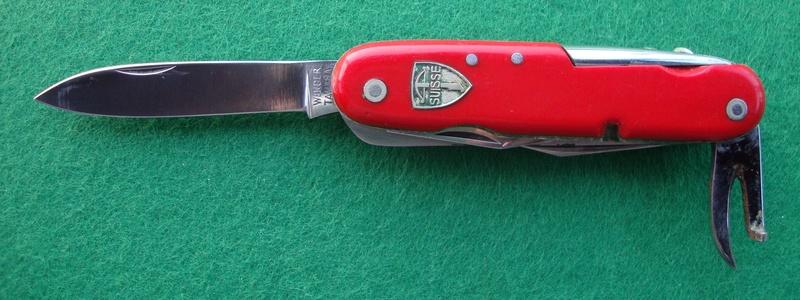 Couteaux de Soldat et Couteaux Officier Suisses. Dsc06518