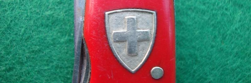 Couteaux de Soldat et Couteaux Officier Suisses. Dsc06519