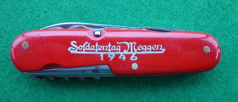Couteaux de Soldat et Couteaux Officier Suisses. Dsc06527