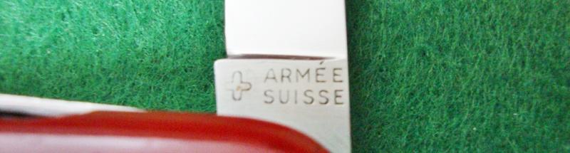 Couteaux de Soldat et Couteaux Officier Suisses. Dsc06616