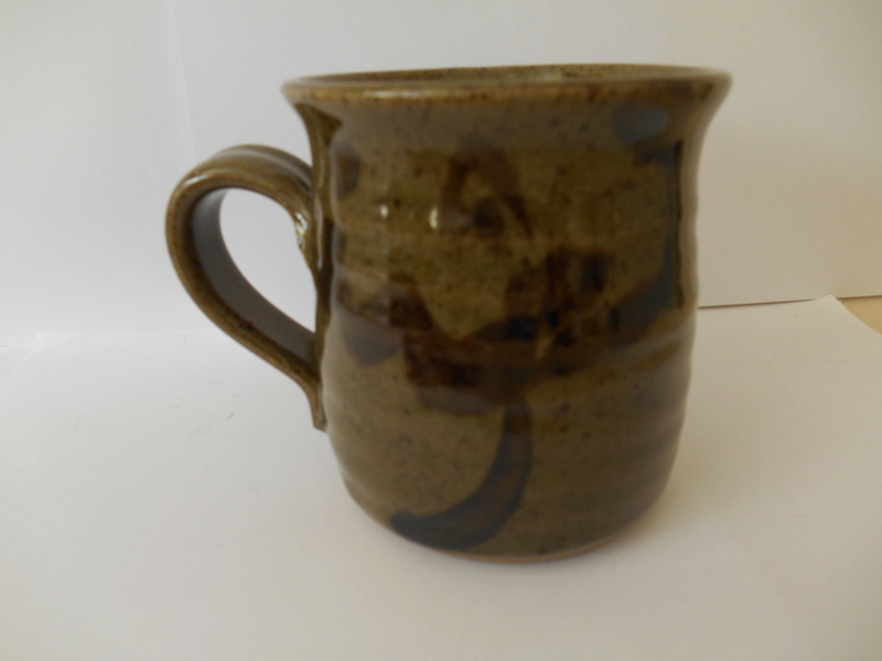 C M or W C mark on well made mug - similar to Connie Walther's mark? Dscn0117