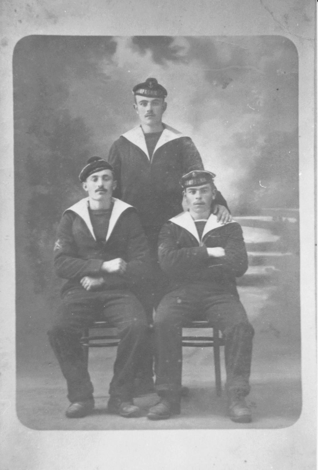 [Les traditions dans la Marine] Tenue dans la Marine- Tome 02 - Page 36 3_mata10