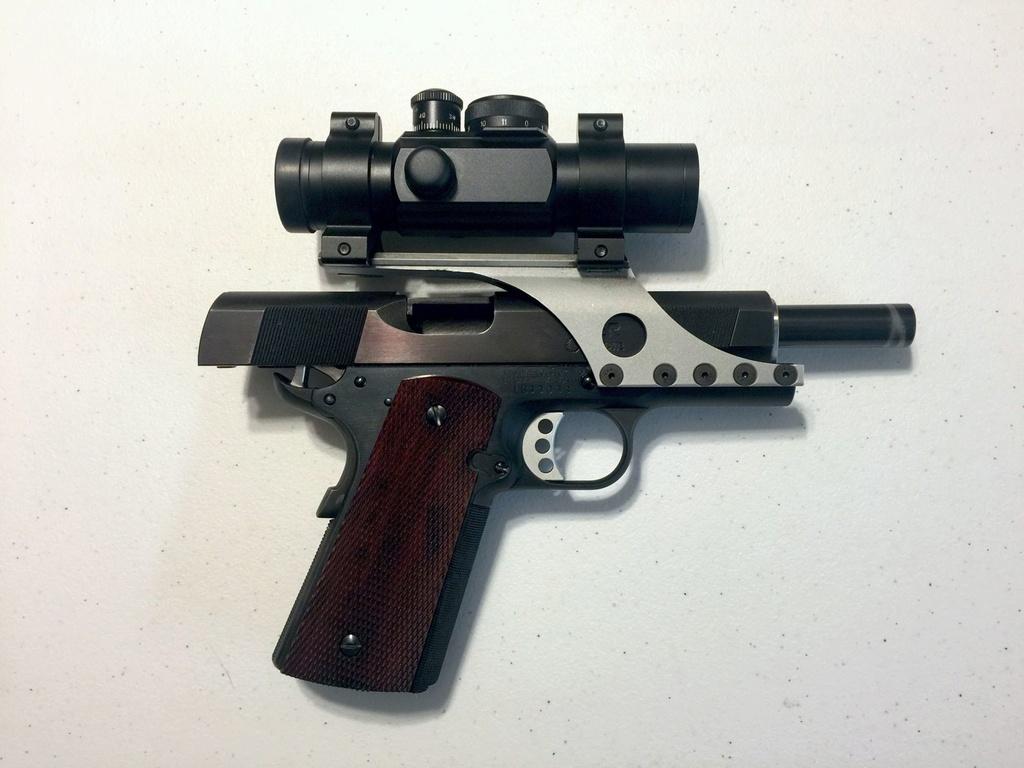 SOLD: Les Baer .45 Wad Gun Kit. Right_17