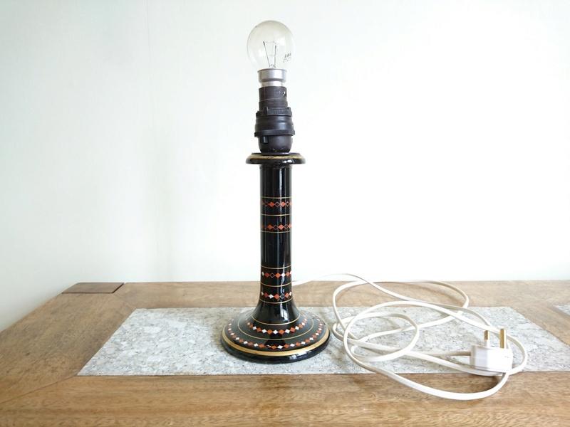 Ceramic lampbase marked W and Ebony - any ideas? Dsc_1110