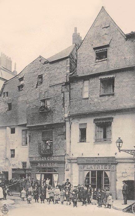 LE BOUFFAY ANCIEN CENTRE DE LA VILLE Maison10