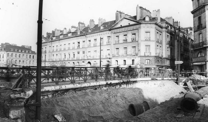 LE PONT DE LA POISSONNERIE Pont-d13