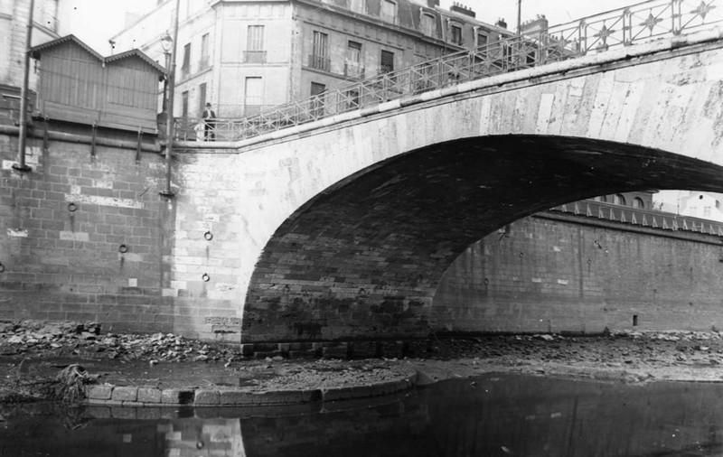 LE PONT DE LA POISSONNERIE Pont-p11