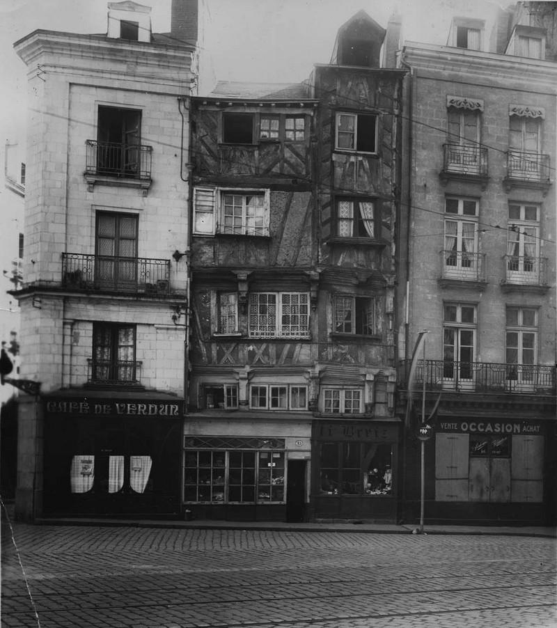 MAISON PITTORESQUE DU XIV EME SIECLE Rue-de11